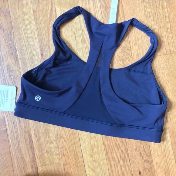 a3402e6c5c401 NWT lululemon invigorate bra size 10 navy blue